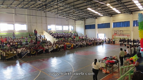 Edil Gustavo Cueto Villanueva promueve el deporte infantil en Huixtla