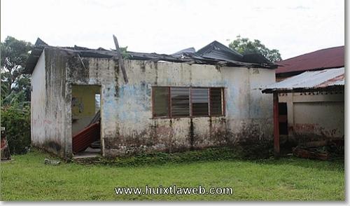 En el abandono escuela primaria serrana del municipio de Huixtla