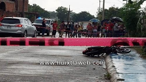 Maestro eléctrico muere atropellado en Huixtla
