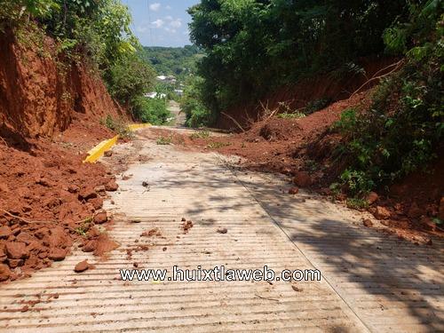 Se derrumban obras camineras en Tuzantán
