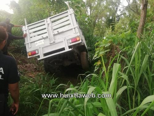 En Mazatán abandonan vehículo chocado