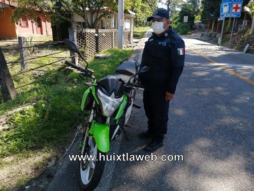 Ladrones escapan entre matorrales en Tuzantán