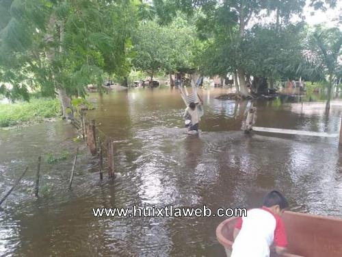 Cinco comunidades inundadas en Pijijiapan