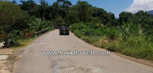 Cristalean vehículo en Tuzantán