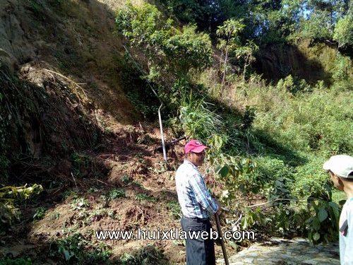 Se colapsa carretera en zona cafetalera de Huixtla